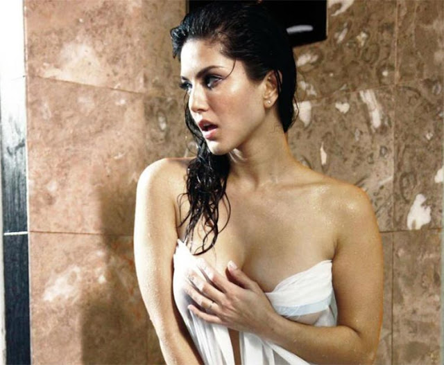 Sexy Sunny Leone looking gorgeous