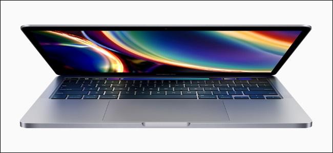 جهاز MacBook Pro مقاس 13 بوصة لعام 2020.
