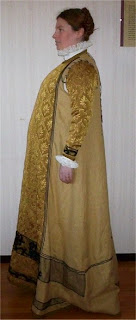 http://evashistoricalcostumes.blogspot.se/p/a-16th-century-german-loose-kirtle.html