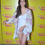 Alia Bhatt hot wallpapers in mini shorts