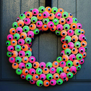 All Eyes on You Wreath by I Love To Create.