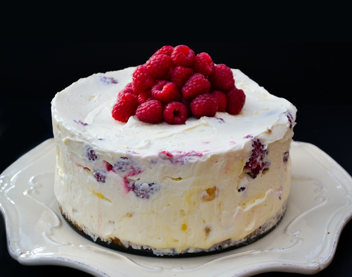 Lemon curd and raspberry cheesecake