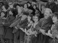 """Кадр из новогоднего эпизода """"Золотой лихорадки"""" (1925) - 2"""