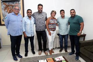 http://vnoticia.com.br/noticia/4070-francimara-e-rafael-diniz-voltam-a-se-reunir-por-solucao-no-transporte-de-passageiros