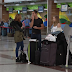 Video - Decenas de pasajeros quedaron varados en el AILA por cancelaciones de vuelos por tormentas