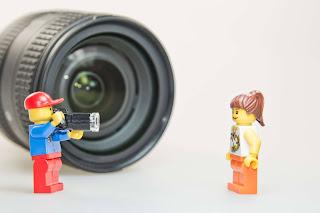 Rekomendasi Lensa Kamera Makro