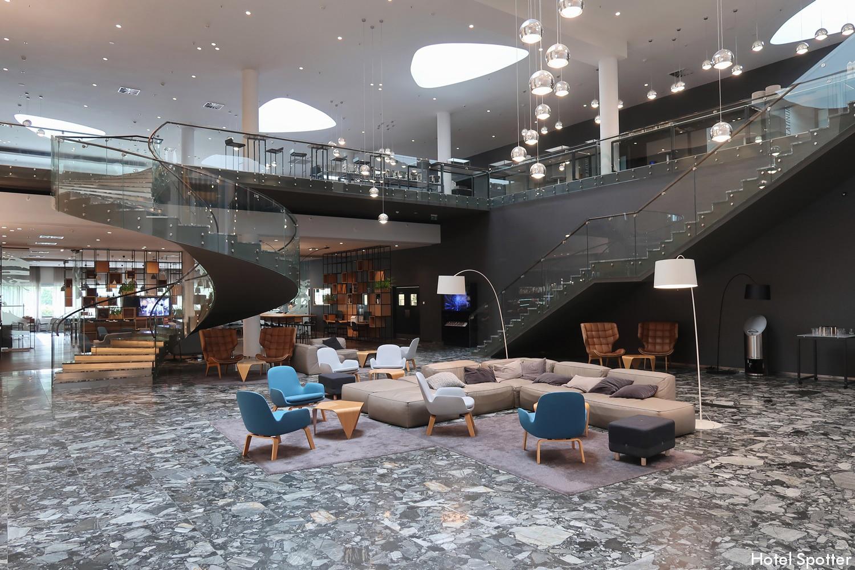 Courtyard by Marriott Brno - recenzja hotelu - wnetrza