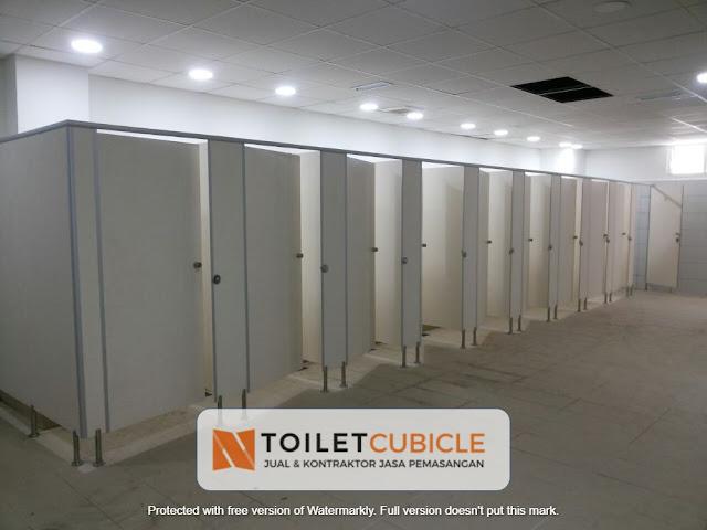 harga partisi toilet cubicle Tangerang