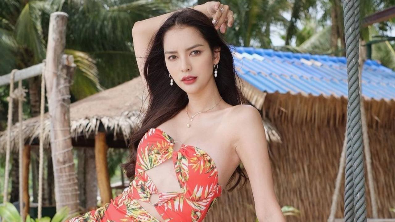 Nitsa Katrahong – Most Beautiful Thailand Transgender in Floral Dress Photoshoot on the Beach