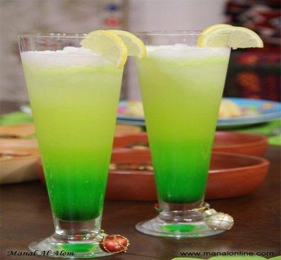 عصير الليمون مع شراب النعناع المركز