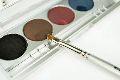 kryolan cake eyeliner set 1