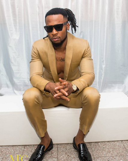 3 Photos: Flavour steps out in suit without a shirt