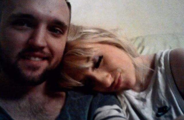 Patea a su esposo por roncar... luego lo encuentra muerto