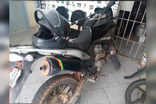 Polícia apreende moto com restrição de roubo em Riachuelo