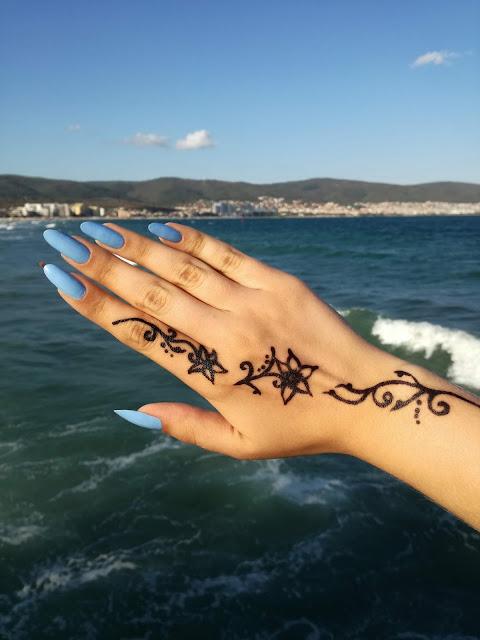 henna na ręku