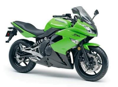 Kawasaki Ninja 400R 2
