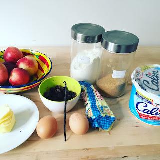 Gateau moelleux au fromage blanc, nectarines et myrtilles