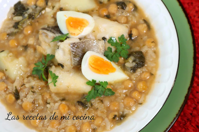 Potaje con garbanzos, arroz y bacalo