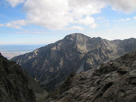 Sławkowski Szczyt (słow. Slavkovský štít, węg. Nagyszalóki-csúcs, niem. Schlagendorfer Spitze; 2452 m n.p.m.).