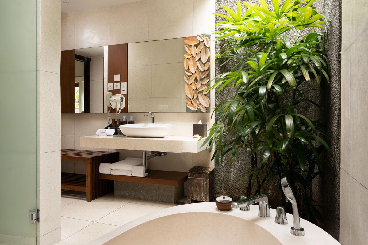 Villa Two Bedroom - Master bathroom