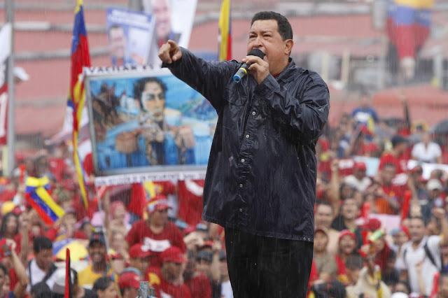 Hugo Chávez a contracorriente