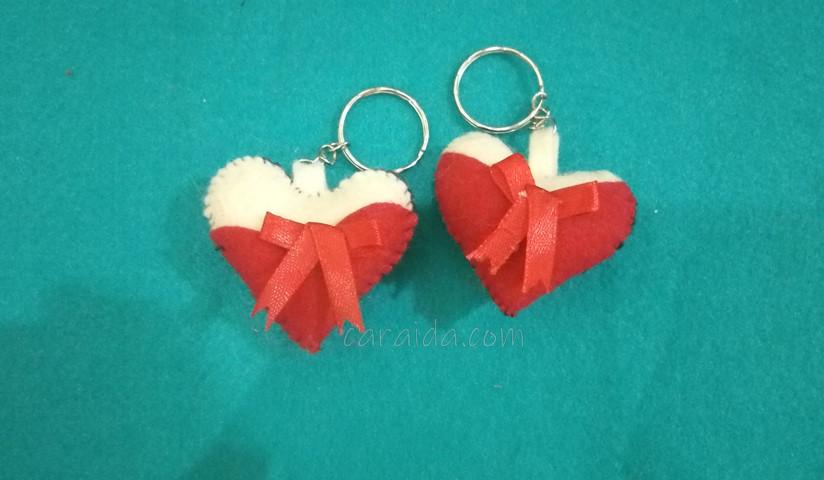 gantungan-kunci-love-dari-flanel