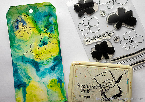 Layers of ink - Flowers on white background tutorial by Anna-Karin Evaldsson. Stamp the flowers.