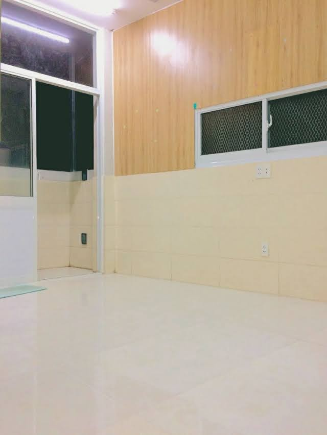 Phòng trọ Quận 7 có cửa sổ rộng