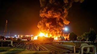Kebakaran Besar Kilang Minyak di Iran Masih Belum Padam