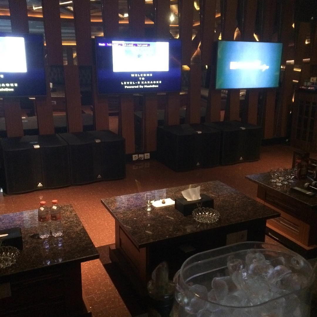 RedDoorz Plus near Asia Afrika 2 - Booking dan Cek Info Hotel