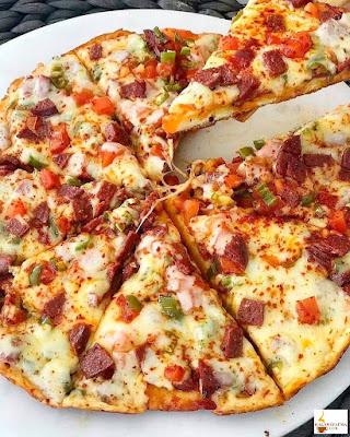 بيتزا المقلاة السريعة والشهية