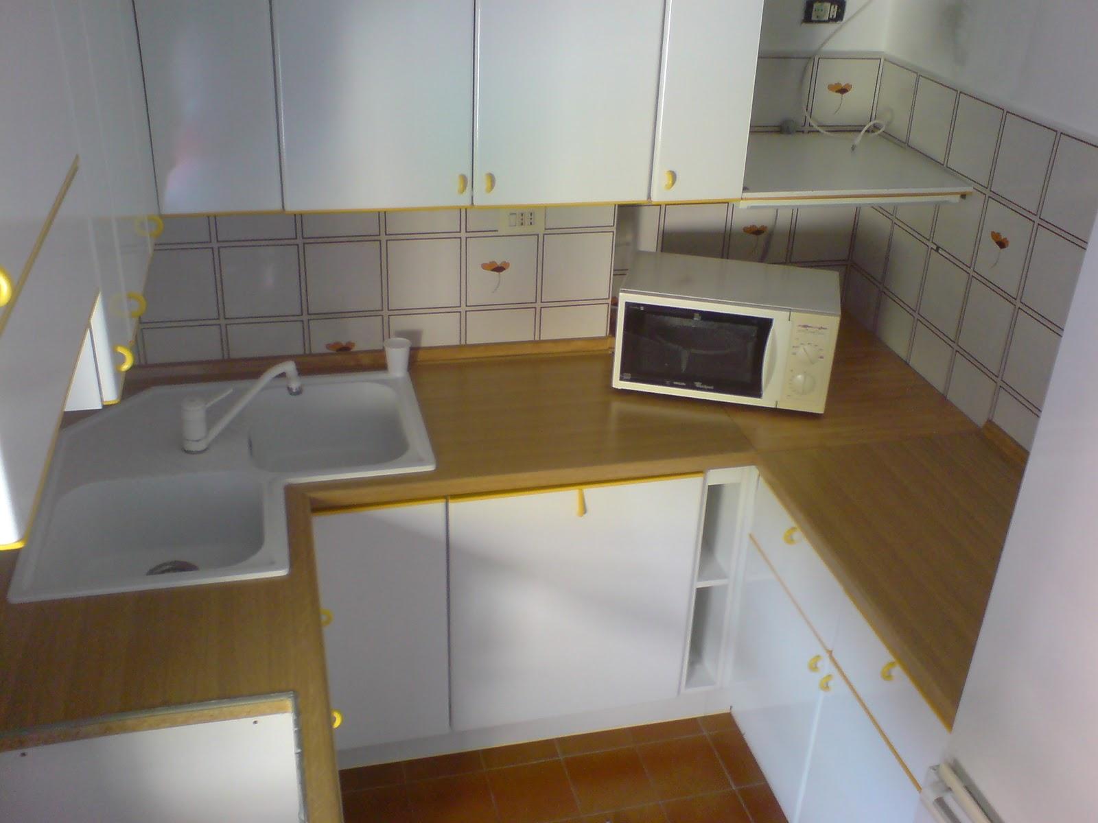 Cucina Con Lavello Angolare | Angolo Una Vecchia Cucina Con Lavello ...