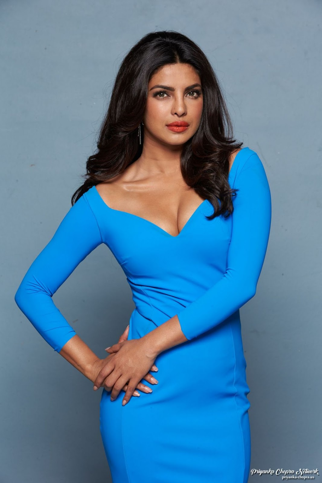 Priyanka Chopra Sizzles In Blue Gown For Baywatch Promo -5761