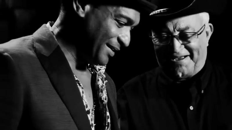 Descemer Bueno y Eliades Ochoa - ¨Preciosa¨ - Videoclip. Portal Del Vídeo Clip Cubano - 01