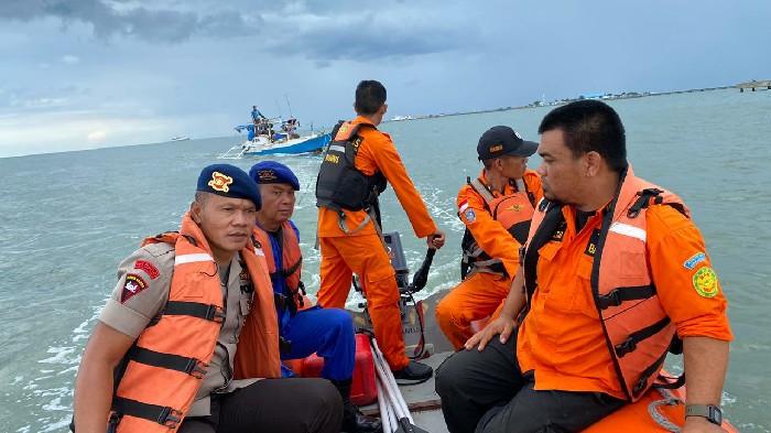 2 Jam Terombang Ambing di Laut, 1 Kapal Nelayan Bone Nyaris Hanyut