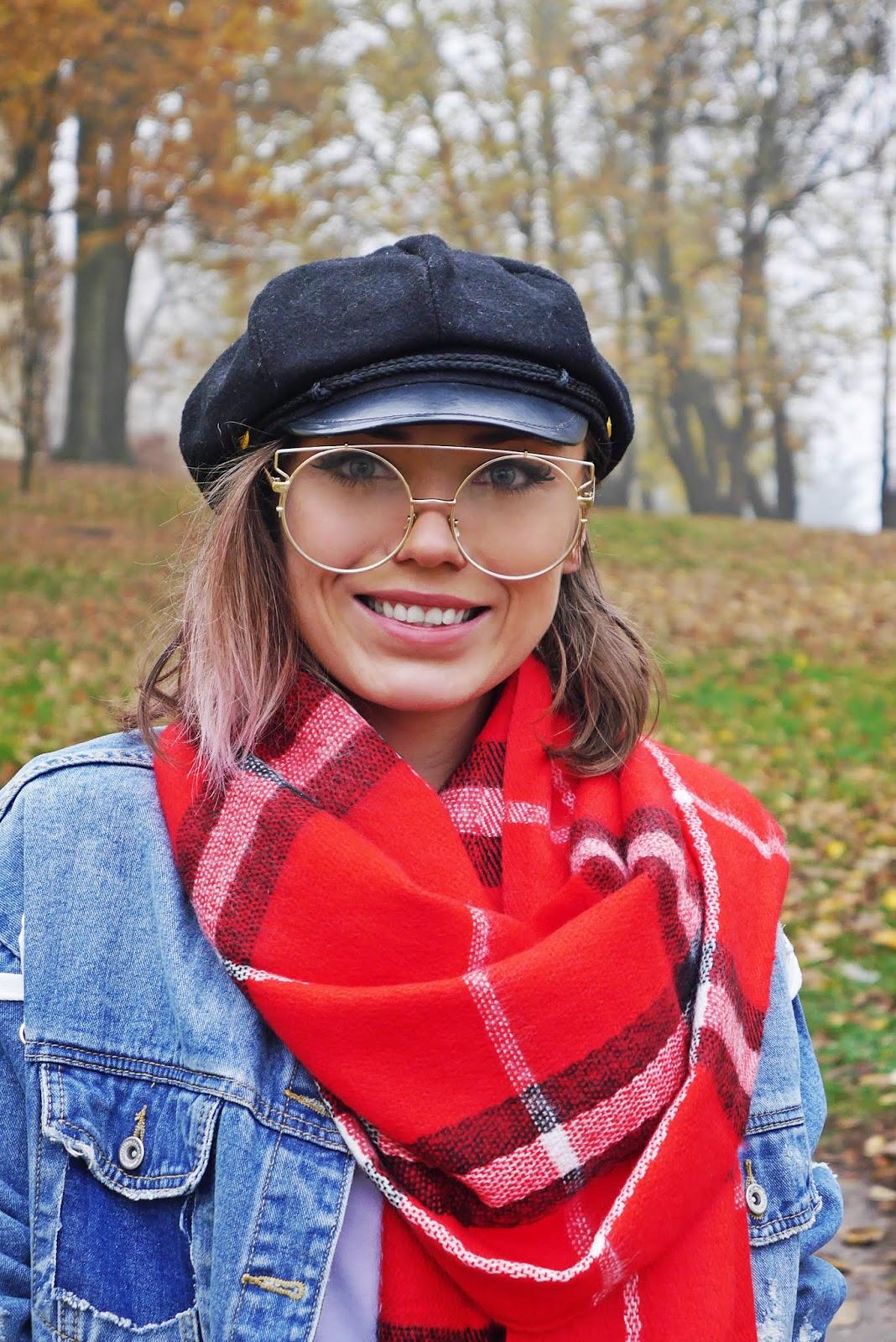 Czerwony szalik w kratę renee karyn blog modowy
