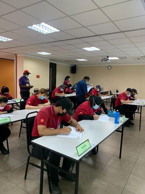 pembelajaran teori di pusat latihan