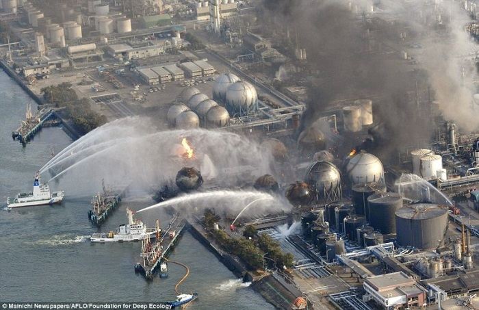 20 Pictures That Prove That Humanity Is In Danger - While the entire world watched the events of Fukushima, a massive heat and power station was burning just a few miles away. All attempts to extinguish it were fruitless.