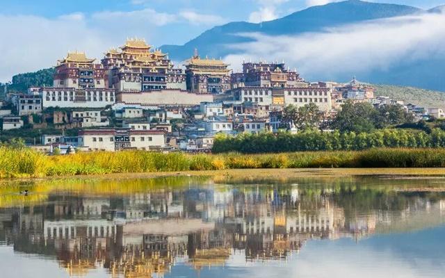 วัดซงจ้านหลิน (Songzanlin Monastery: 松赞林寺)