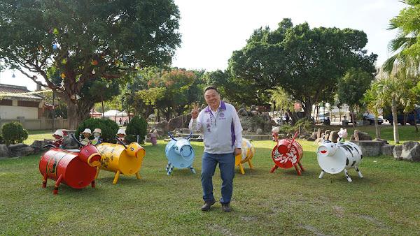 員林市清潔隊發揮巧思 回收物打造牛裝置藝術