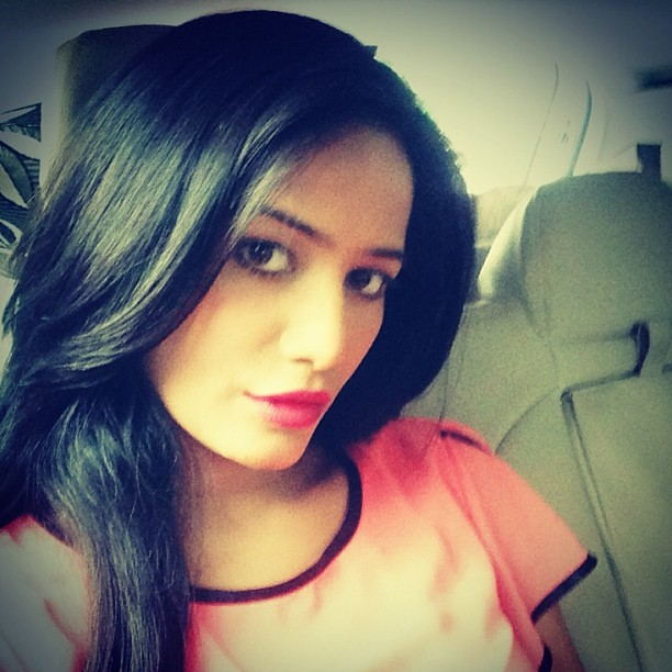 Poonam-Pandey-At-Home-Unseen-Photo