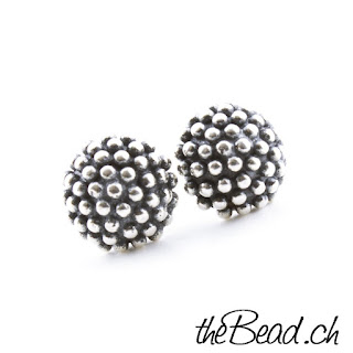 https://www.thebead.ch/product_info.php?info=p1054_echtsilber-ohrstecker-puenktli-design--patiniert.html