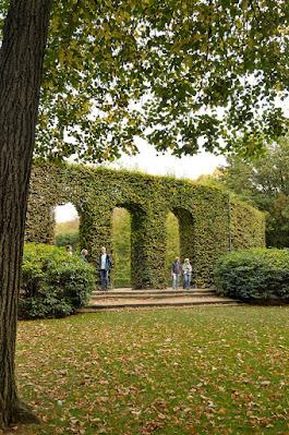 Green meadows backyard in Musée Rodin in Paris