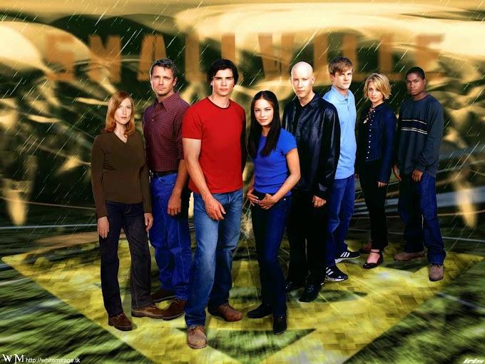 Neden Smallville Süperkahraman Dizilerinin Başlangıcı?
