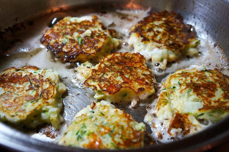 How to make zucchini fritters | Zucchini fritters Recipe | Quick-Spice.com | Food Hack
