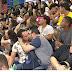 BALBURDIA:  Público da Bienal faz 'beijaço' contra ordem de Crivella para apreender livros
