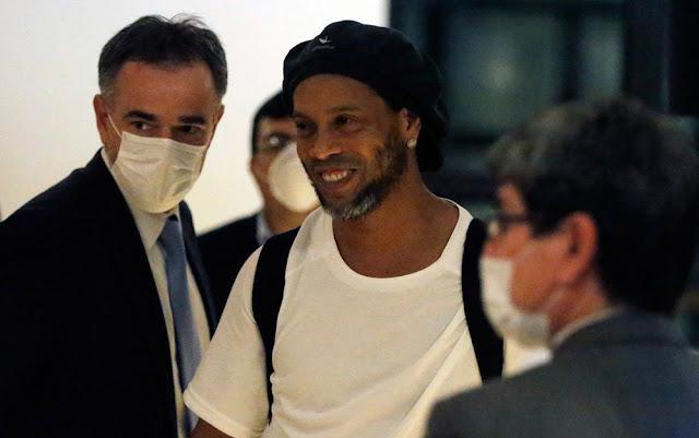 Ministério Público do Paraguai pede liberdade a Ronaldinho Gaúcho e irmão