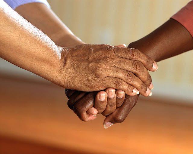 9 Effective Ways to help a friend or family member with depression