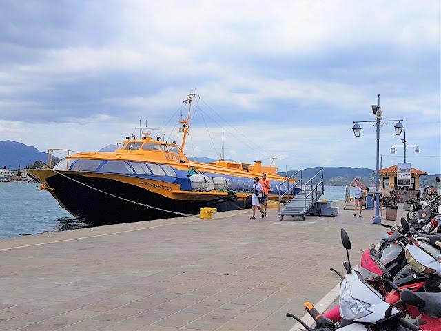 Η Aegean Flying Dolphins με τρία καθημερινά δρομολόγια στον Πόρο