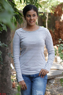 Actress Chandini in ed Tight Top at Ennodu Yilayadu tamil movie press meet ~  41.jpg